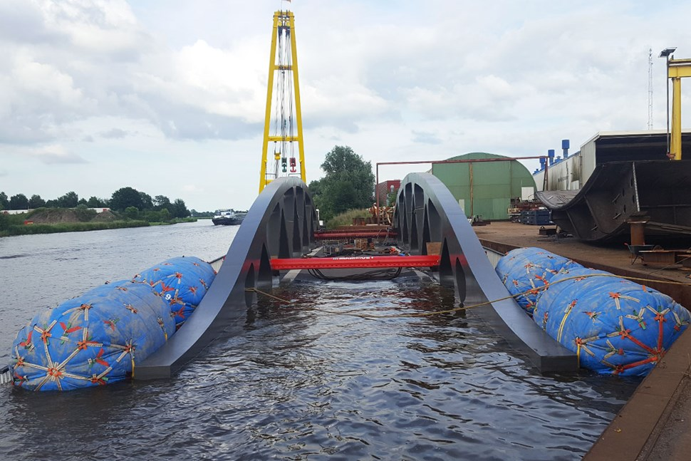 Floats for transporting bridge
