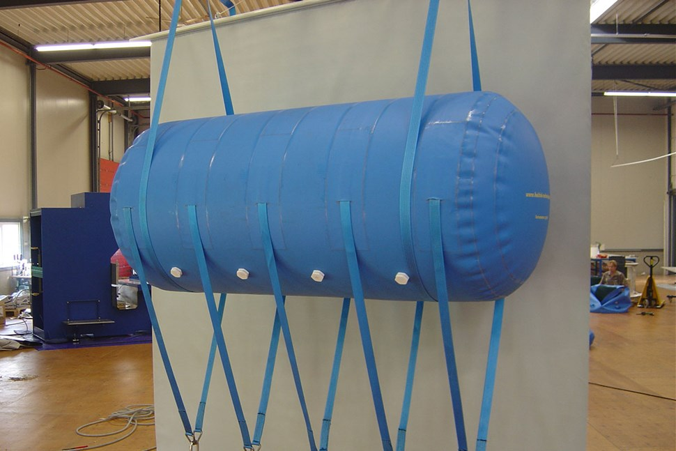 Underwater lifting bags